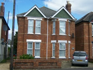 Ground floor 2 Bed Student Flat to rent, Alma Road