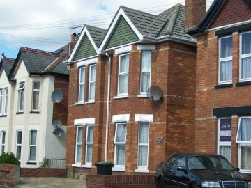First floor 2 Bed Student Flat to rent, Alma Road